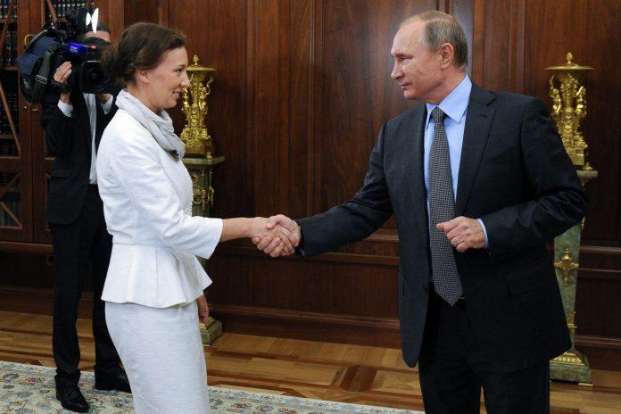 venemaa-uus-laste-ombudsman-anna-kuznetsova-ja-vladimir-putin